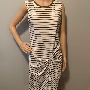 Hem & Thread Dresses - NWT Hem & Thread Sleeveless T-shirt dress LG